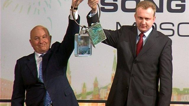 Состоялась официальная церемония передачи символа «Евровидения» мэром Белграда мэру Москвы