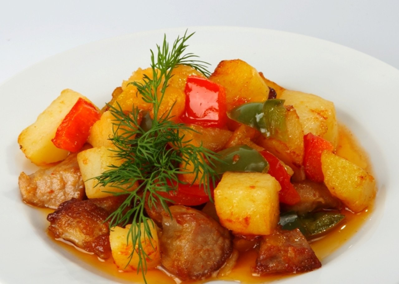Популярное овощное рагу - гивеч