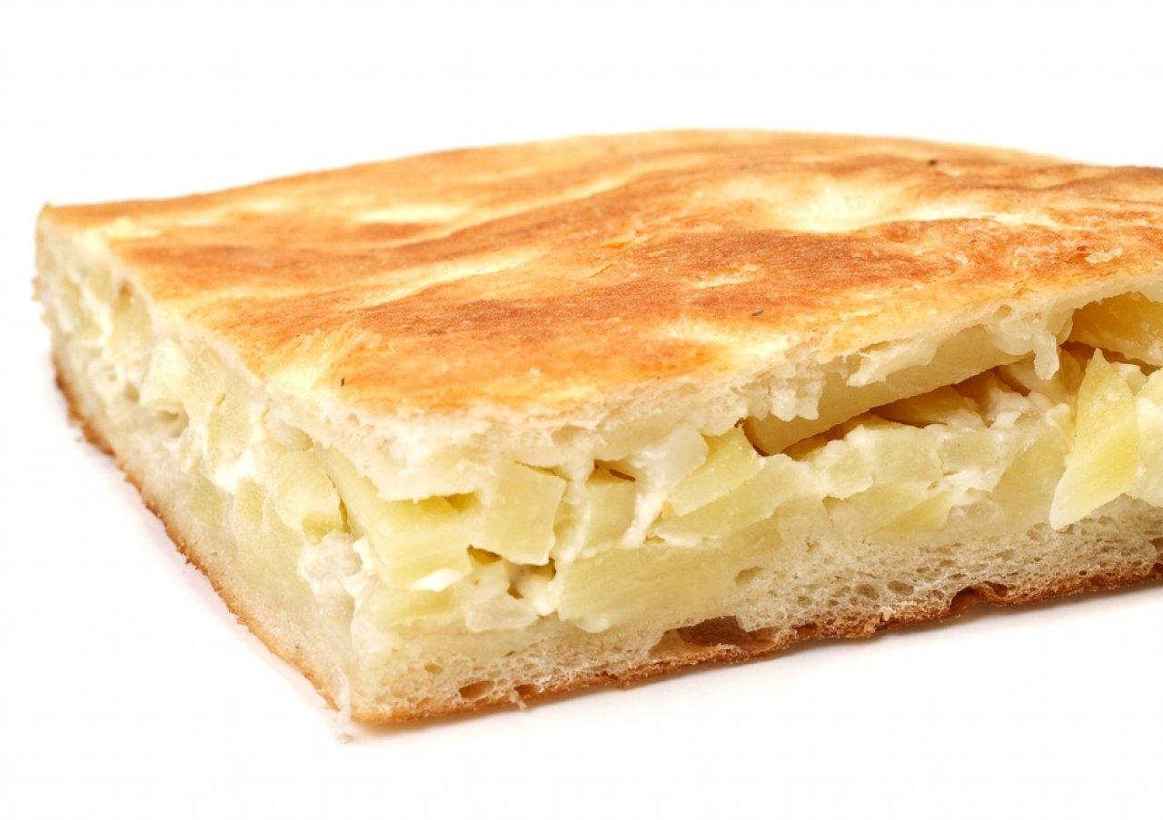 Начинкой для плацинды могут быть картофель, брынза, тыква или яблоки