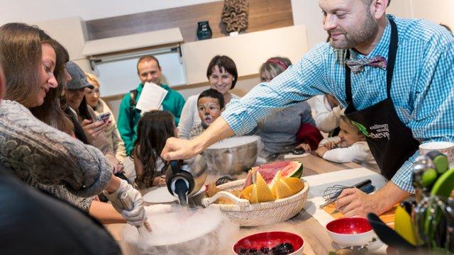 Кулинарная Студия Clever и Handmadefood на фестивале Taste — молекулярная кухня своими руками!