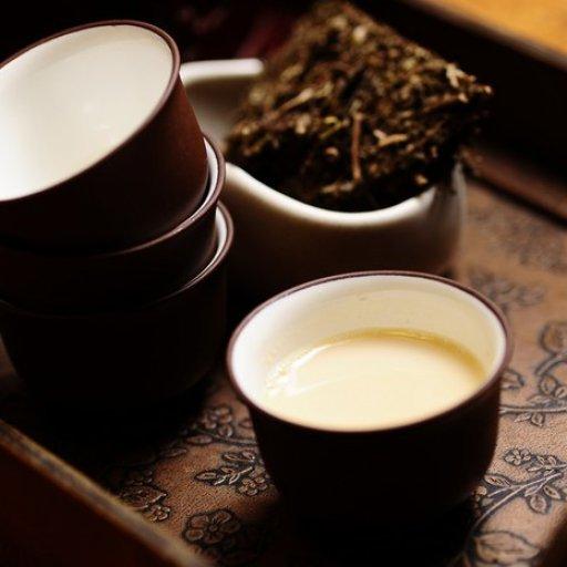 Май: День калмыцкого чая