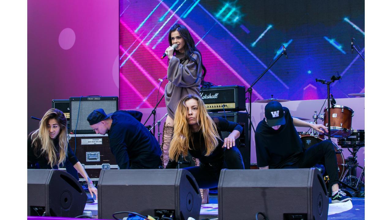 Лена Темникова / Звёзды «Музыки Первого» поздравили Москву с Днём города