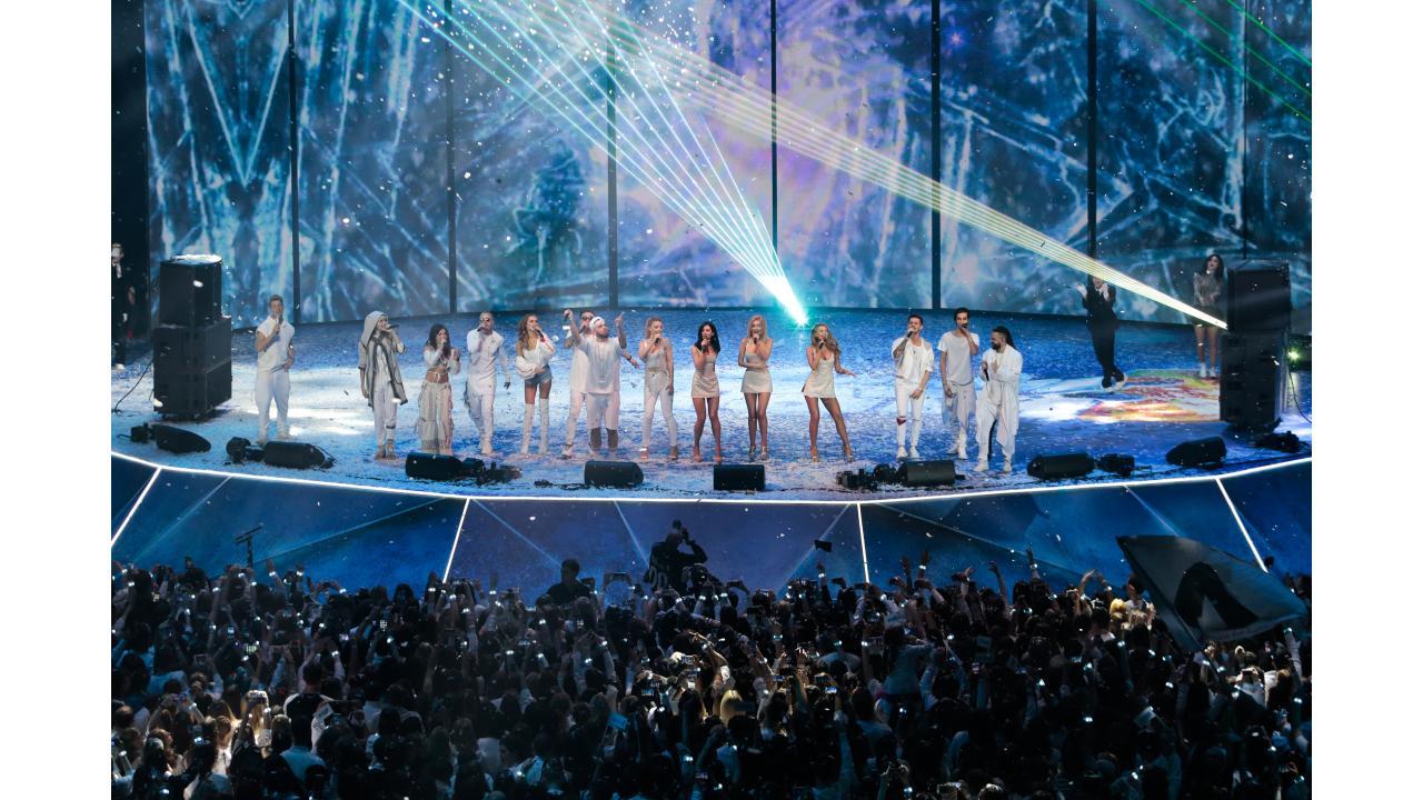 Телеканал «Музыка Первого» приглашает на главное белое новогоднее шоу «SnowПати-4» в СК «Олимпийский»!