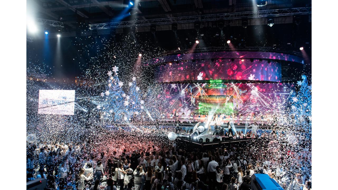 Телеканал «Музыка Первого» подарил грандиозное шоу «SnowПати 4»