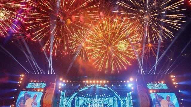"""Международный музыкальный фестиваль """"Жара"""""""