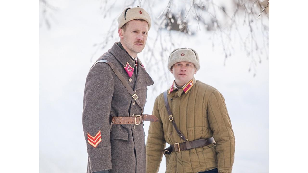 Советский разведчик против немецкого шпиона — в военном детективе «Снег и пепел»