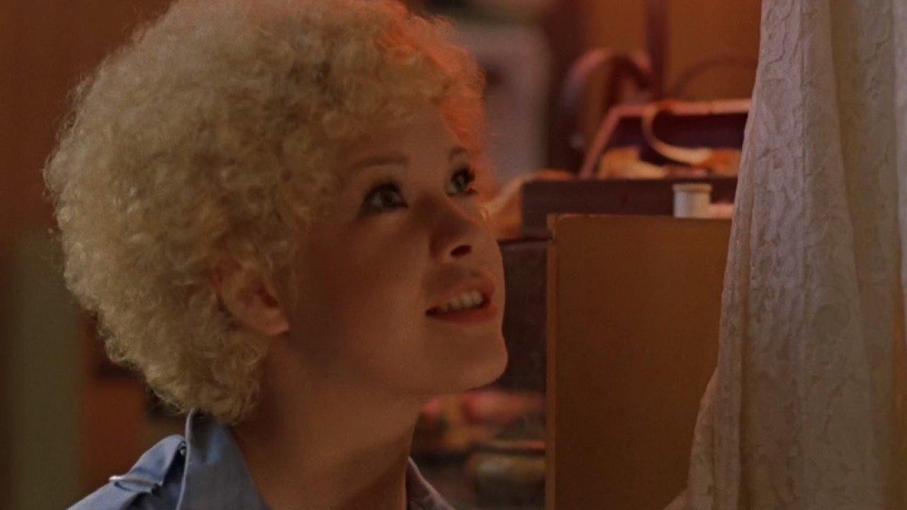 ТЕСТ: Угадайте фильмы с Татьяной Догилевой по одному кадру!