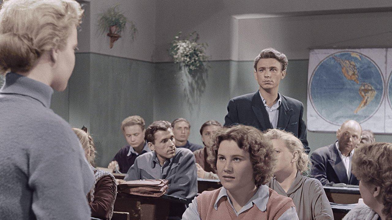 ТЕСТ: Насколько хорошо вы помните фильм «Весна на Заречной улице»?